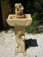Fontaine d'intérieur sur colonne